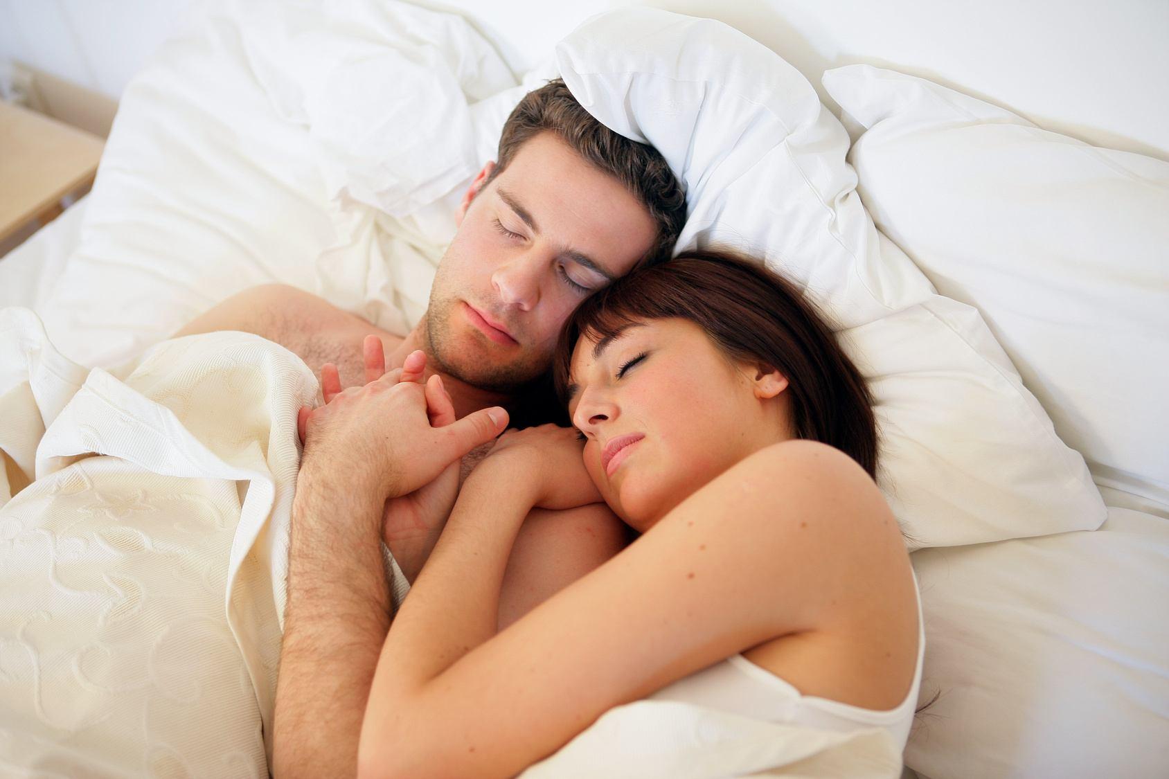 Фото с женой в кровати 1 фотография