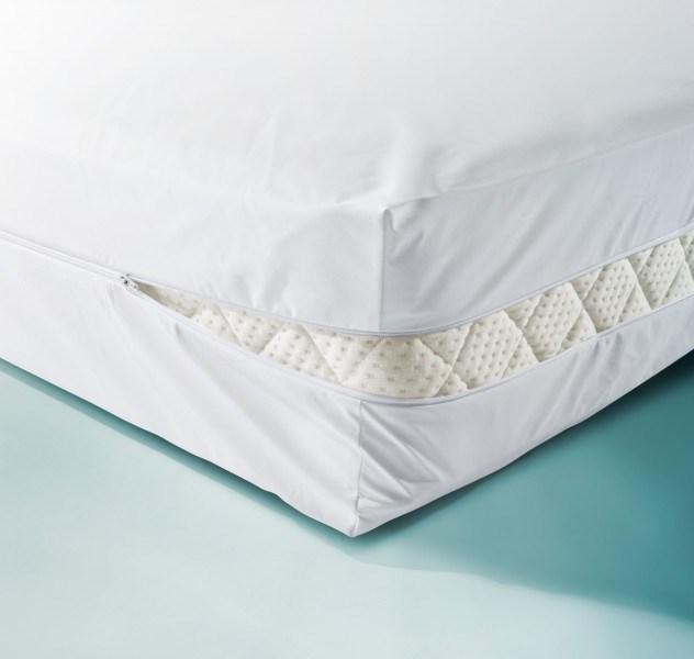 wasserdichter matratzenbezug in wei. Black Bedroom Furniture Sets. Home Design Ideas