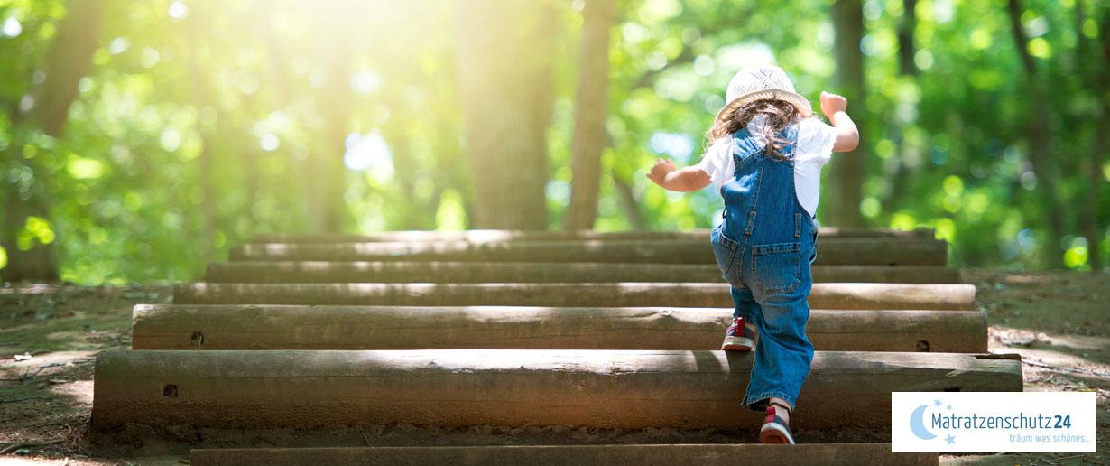 Kinder ausreichend Bewegung & frische Luft