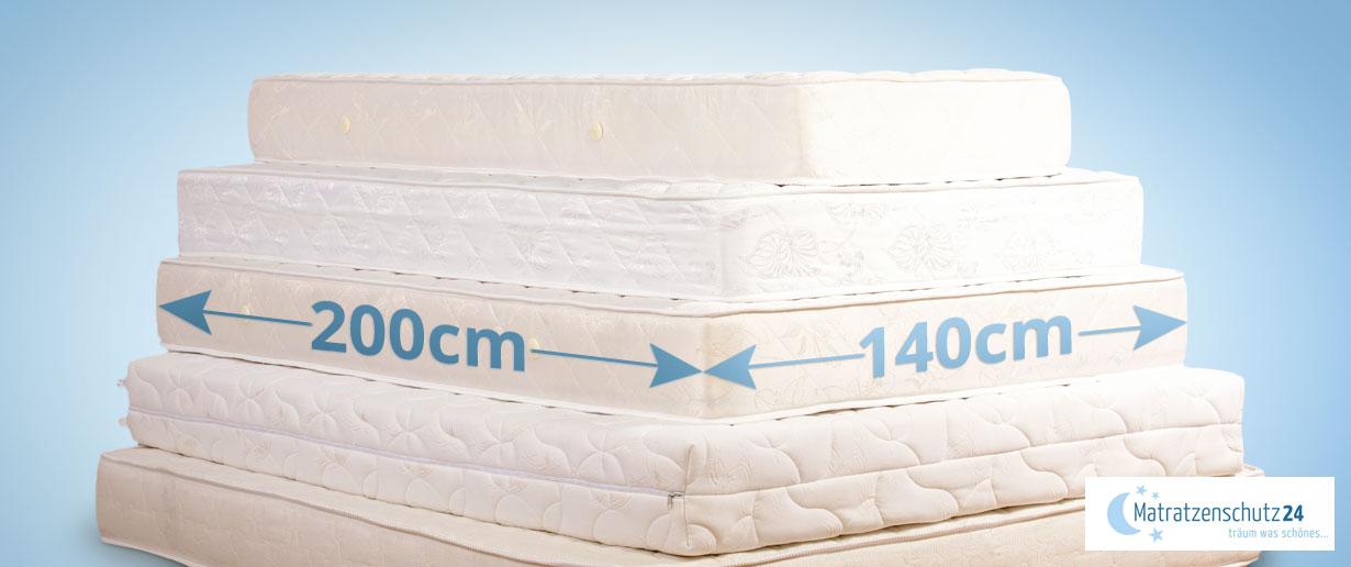Matratzen in verschiedenen Größen gestapelt