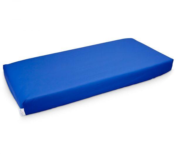 wasserdichtes Spannbettlaken in blau abwischbar bei Inkontinenz Matratzenschutz24 by PROCAVE