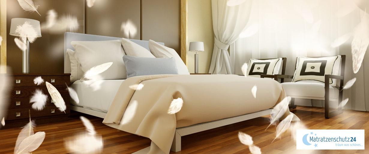 Federn von Daunenbettwaren fliegen durch's Schlafzimmer