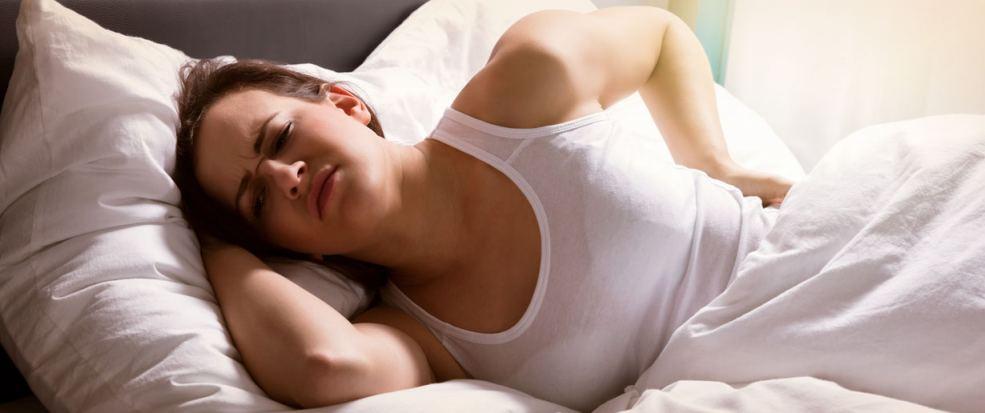 01_rueckenschmerzen-beim-schlafen