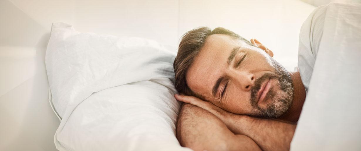 friedlich schlafender Mann
