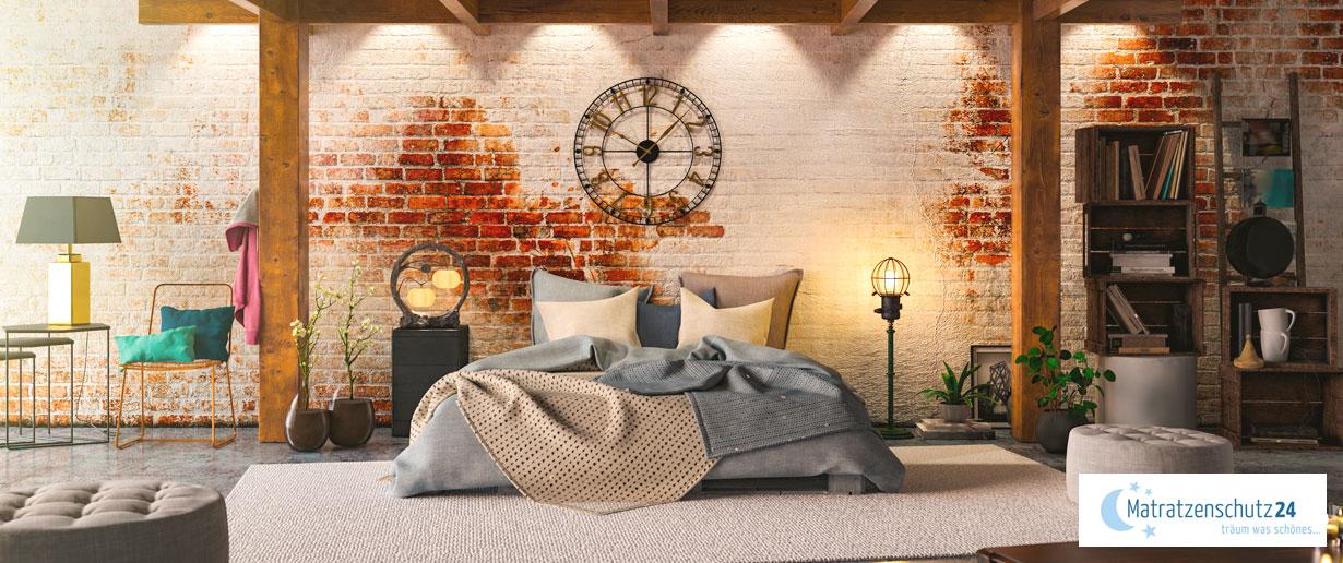 großes, geräumiges Schlafzimmer im Loft-Style mit viel Platz
