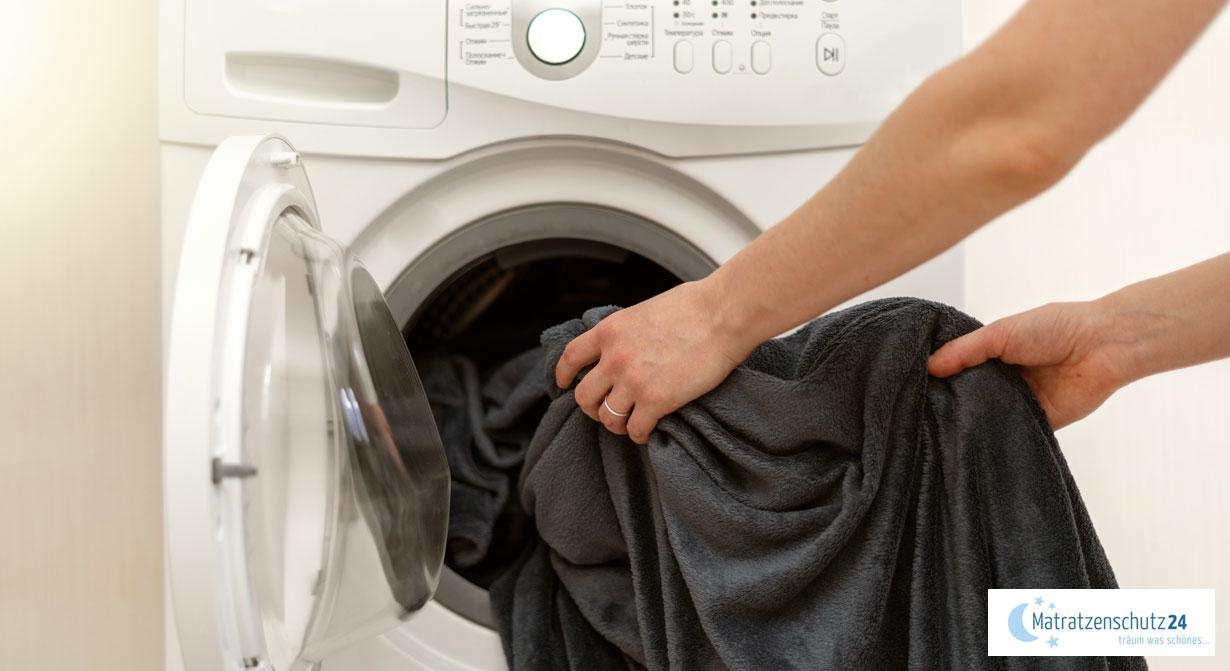 Kuscheldecke in der Waschmaschine