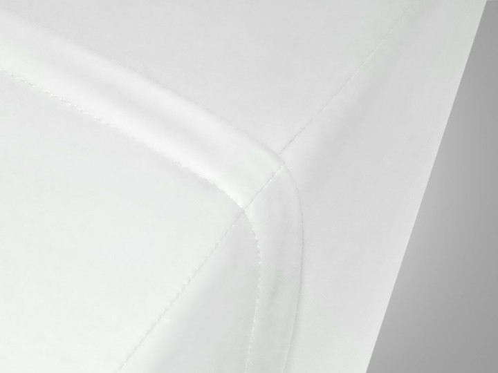 wasserdichtem Bezug in weiß